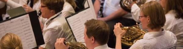 Orgel trifft Blasorchester
